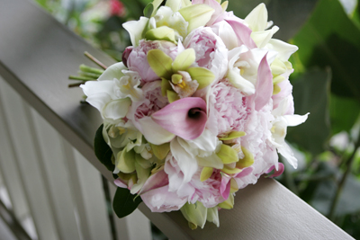pale pink peonies with green orchids for our Maui bride