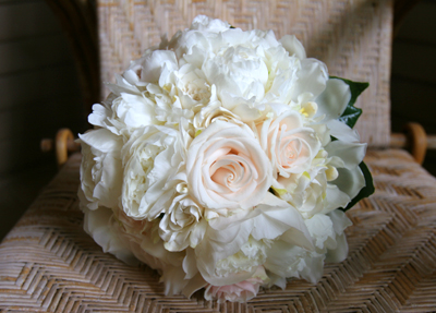 white peonies with blush roses for bride