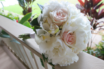 maui bouquet in white