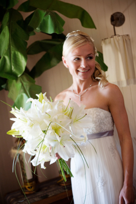 brides mix of casa blanca lilies