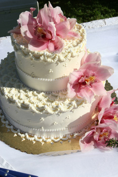 butter cream cake: maui wedding