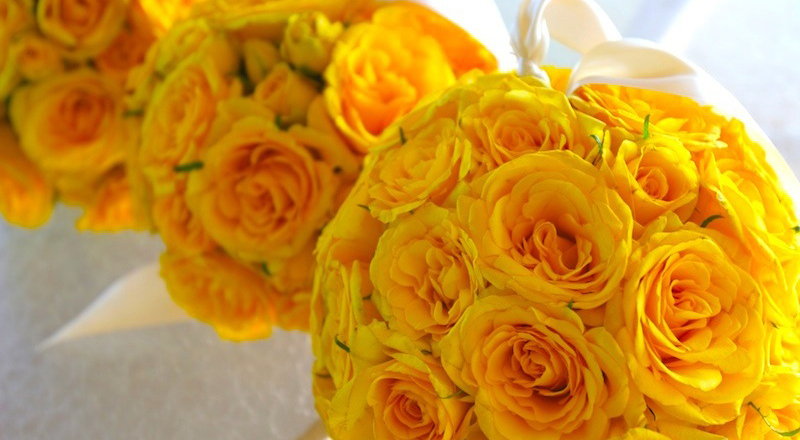 Yellow wedding flowers blue sky weddings maui mightylinksfo